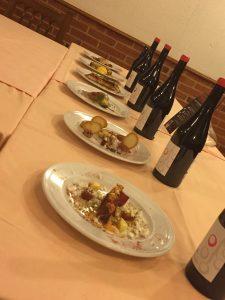 vista de cada plato con su vino 5 DOs