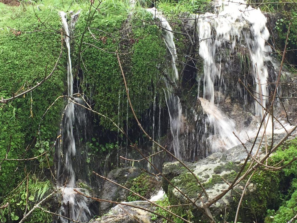 pequeñas cascadas cascada de abelón