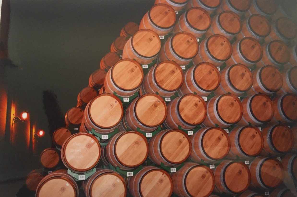 Colocación de barricas para su almacenamiento